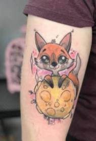 很漂亮的一組彩色卡通小狐貍紋身圖案