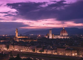 夜幕降临下的佛罗伦萨 好美