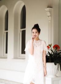 王梓薇甜美清新写真图片