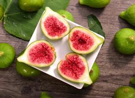 一组新鲜的无花果果肉清甜爽口图片