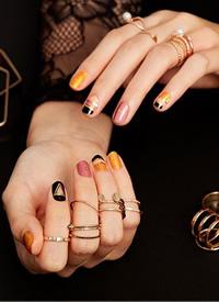 一组唯美的短指甲女生喜爱的美甲图片