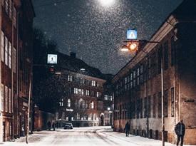 夜色下的哥本哈根,下雪的时候更有韵味了