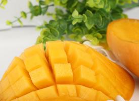 芒果又香又好吃,又美味的果肉,还有香滋滋的汁