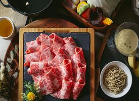 美味肉类美食色泽诱人,肉色红润,外焦香,里软嫩