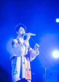 吴青峰麦田音乐节帅气图片