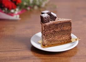 一组精致巧克力甜点高清图片欣赏