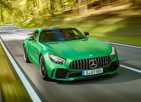 綠色奔馳AMGGTR炫酷超跑汽車高清桌面壁紙