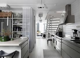 92㎡深色系复式公寓装修效果图,宁静而优雅