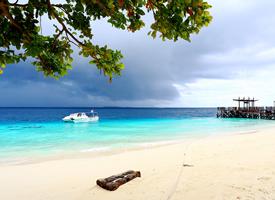 马来西亚仙本那像是一个现实世界中的梦幻之岛