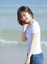 谭松韵清纯养眼唯美海边写真图片