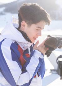 刘昊然穿滑雪装也这么帅气迷人的图片