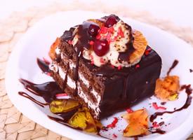 可口诱人的巧克力蛋糕高清桌面壁纸