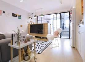 32平北欧风,12㎡客厅满足电视柜、餐厅、玄关衣帽间所有功能