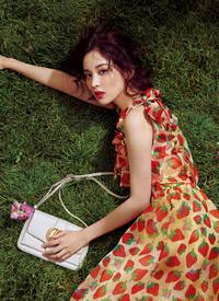 一组古力娜扎百变时尚性感写真图片