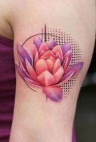 火红色的莲花纹身图案9张