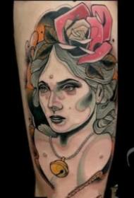 一组欧美男郎人像的school纹身图案