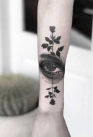 很有个性的欧美小黑灰纹身作品