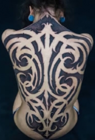 很霸氣的一組花體圖騰紋身作品
