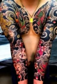 霸气的彩色传统纹身图案欣赏