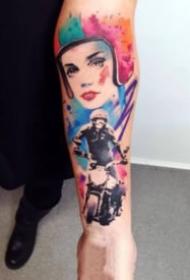 手臂上的抽象水彩人像纹身图案欣赏