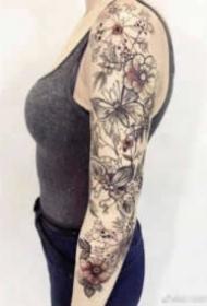 18张男士和女士的大花臂纹身作品图