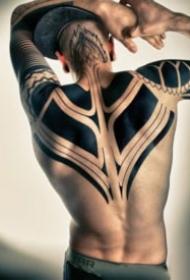帅气的黑色图腾包臂纹身图案作18张