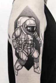 36张手臂上的黑灰小纹身图案
