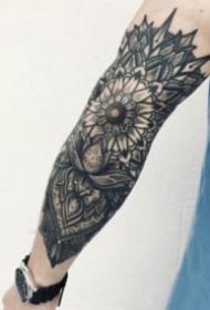 9张手臂上很好看的梵花点刺纹身作品