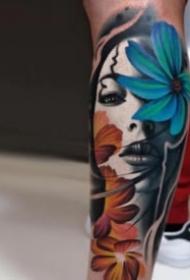 包臂包小腿的歐美寫實人物紋身圖