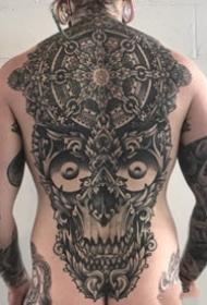 大氣的一組大面積黑色圖騰點刺紋身作品