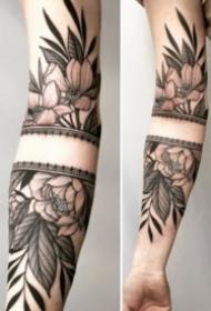 9張包小手臂的圖騰梵花紋身圖案