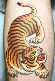 日式传统风格的小老虎纹身图片