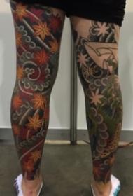 日式风格的传统花腿纹身作品观赏