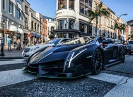 一枚黑色毒药 —— 哑光黑兰博基尼Veneno Roadster