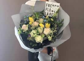 一组简单美丽适合送女友的花束图片欣赏