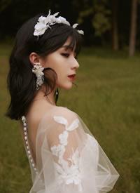 一组小清爽感的丛林系新娘发型图片参考