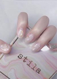 一组blingbling银色仙女风美甲图片欣赏