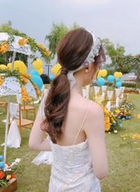 充斥仪式感的浪漫草坪婚礼 美丽大年夜方的发型
