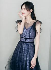 唐嫣一袭薄纱礼服装饰璀璨闪耀的亮片,尽显温婉优雅的气息