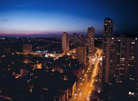 一组夜晚城市唯美风景图片壁纸