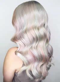 全息色,类似于光碟背面一种的颜色迷之梦幻的发色