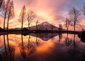 显得格外壮丽的富士山高清图片欣赏