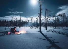 一组超级唯美的夜景下满地的雪景图片欣赏
