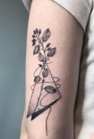 18张黑灰色的小清新纹身图案欣赏