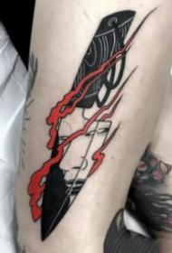 黑色的一組小刀匕首紋身圖案