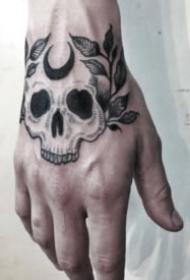 暗黑色的手背纹身图片作品