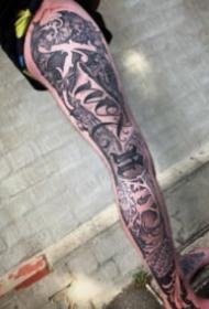 3d立體風格的奇卡諾花體字紋身圖案