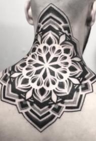 26组黑色的点刺梵花曼陀罗纹身图案