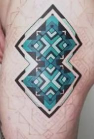 新颖又不罕见的漂亮图腾纹身图案