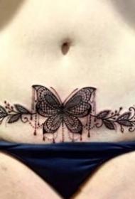 女性腰腹部私密處性感的紋身圖片